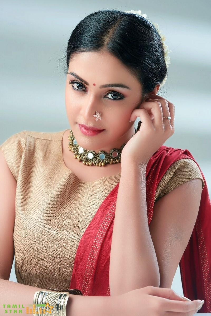 Actress Ashwini Chandrasekhar Stills (3)