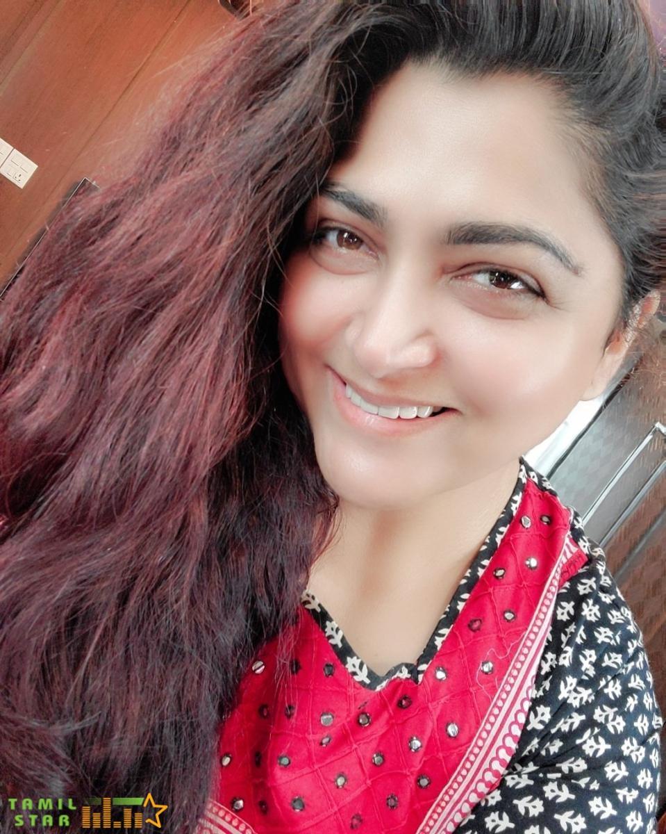 Actress Khushbu Sundar Stills (4)