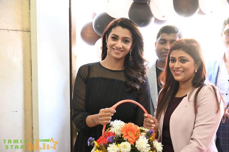 Actress Priya Bhavani Shankar at The Launch Of 'Welona' Skin And Hair Clinic Photos (2)