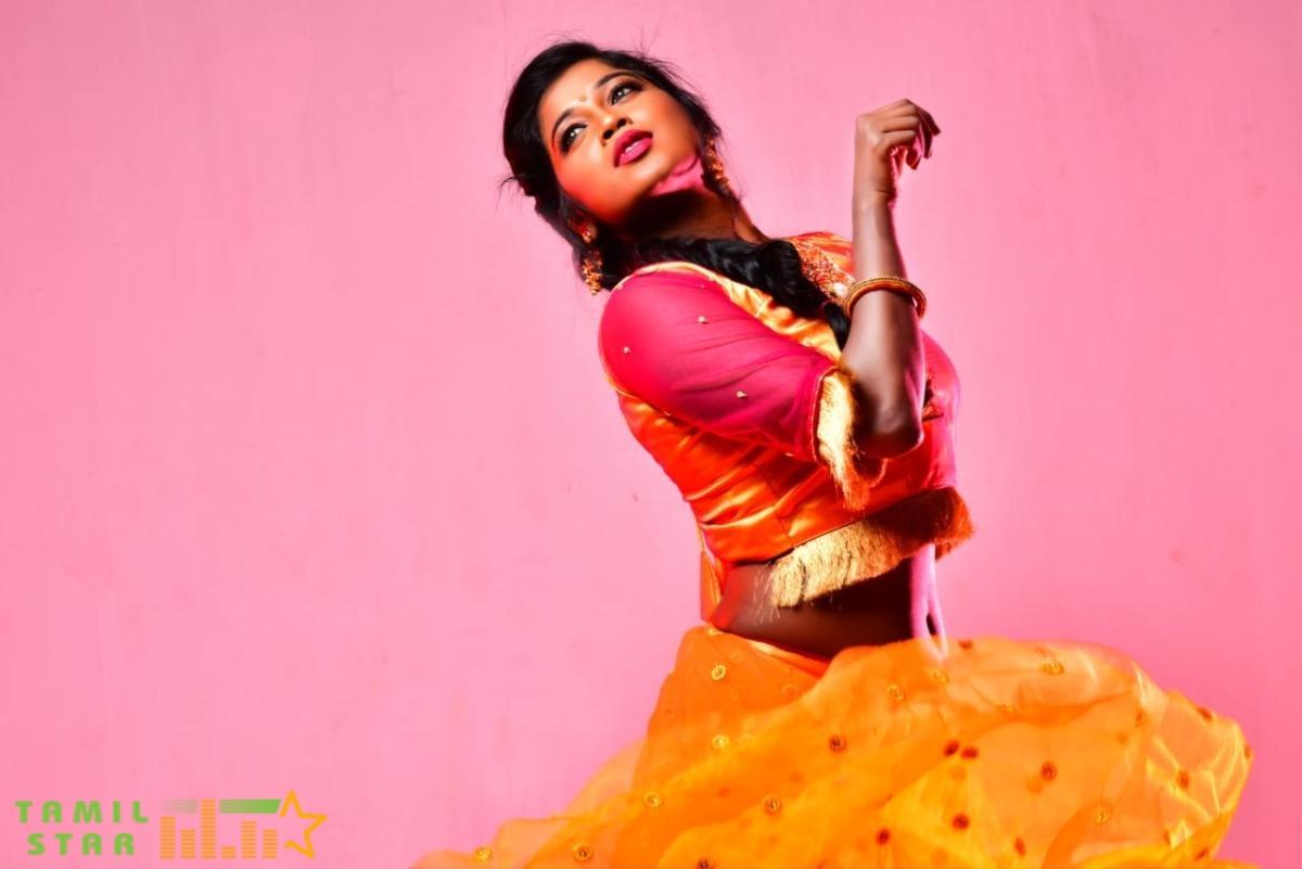 Actress Saranya Ravichandran Photo Shoot (1)