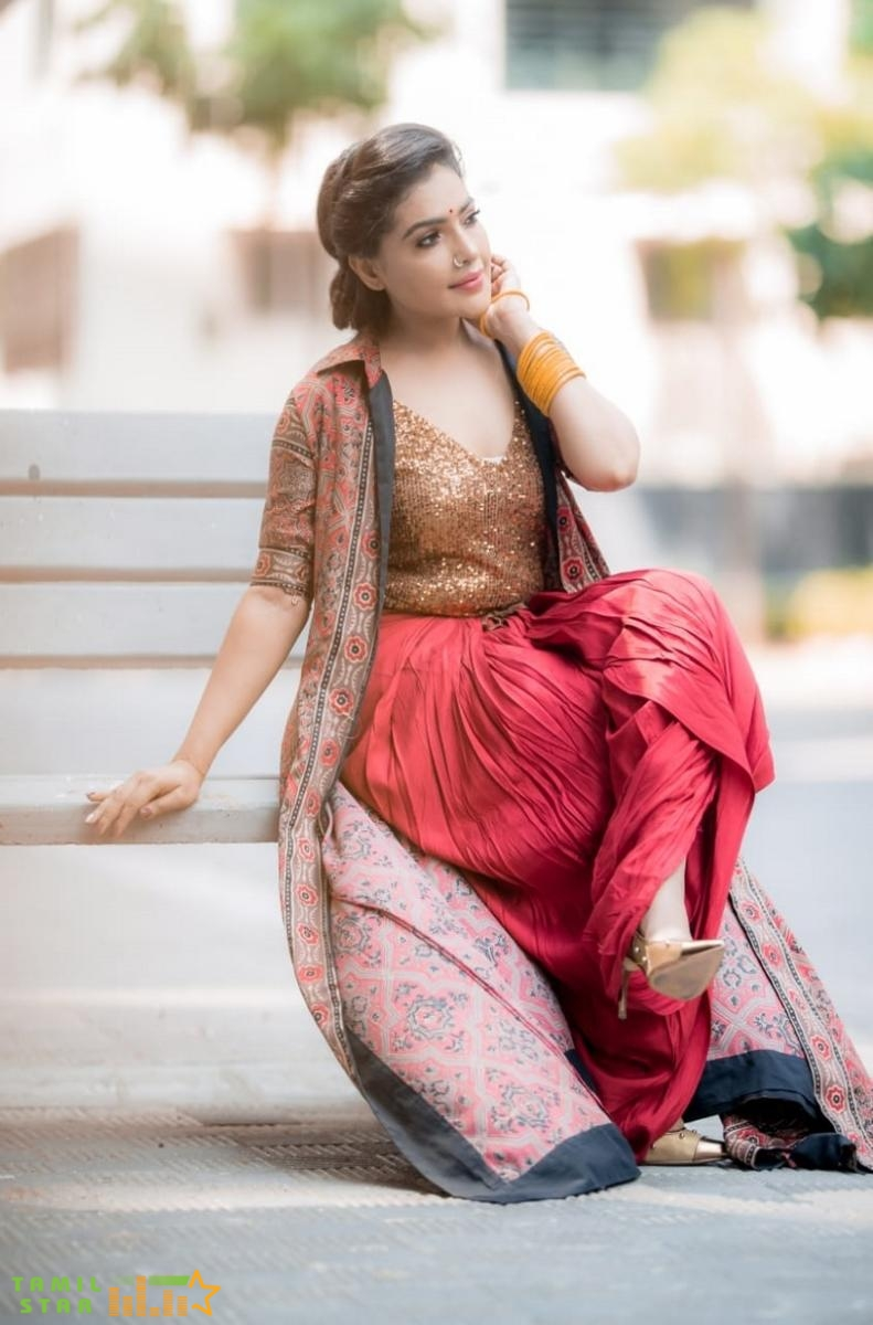 Artist Shaashvi Bala Latest Photo Shoot (5)