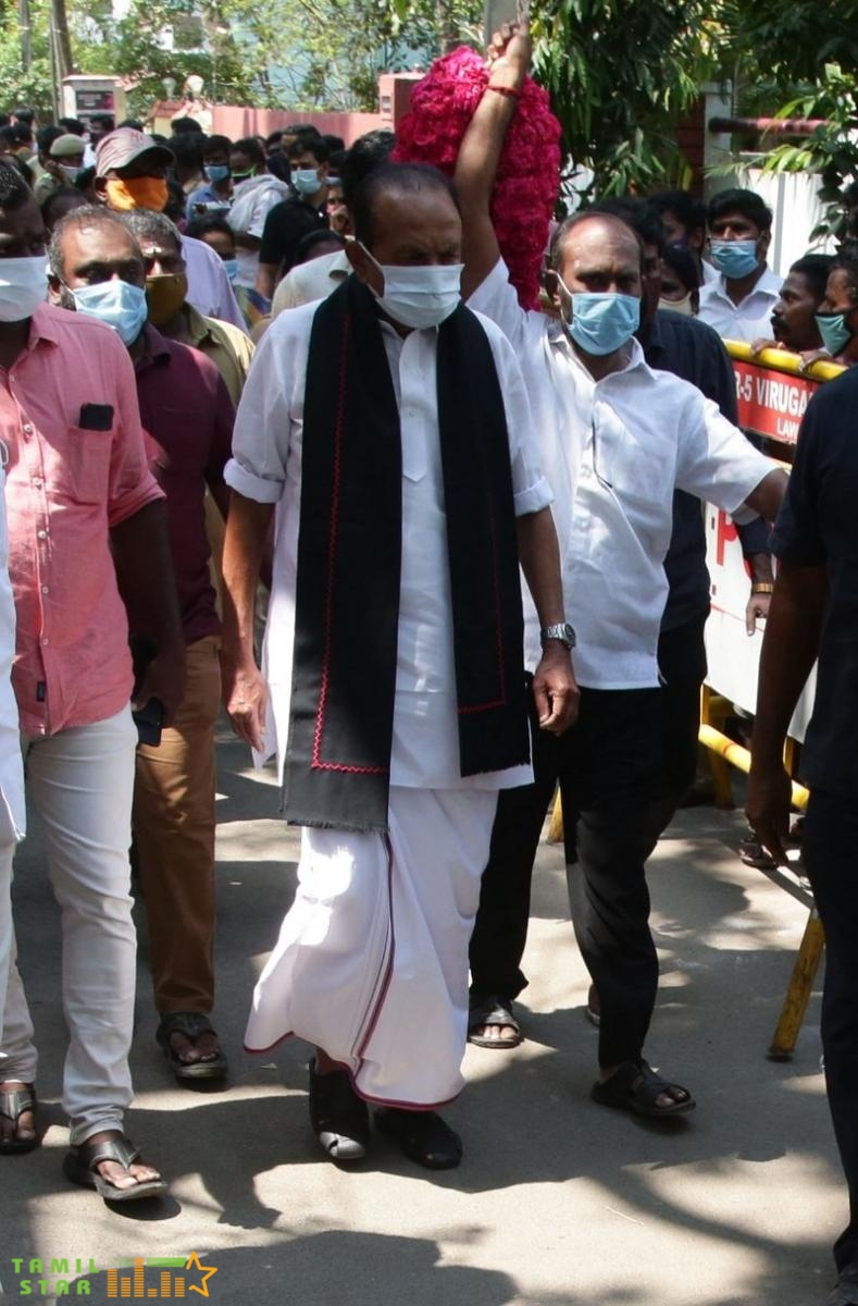 Celebrities Pay Last Respect To Legendary Actor Vivek (13)