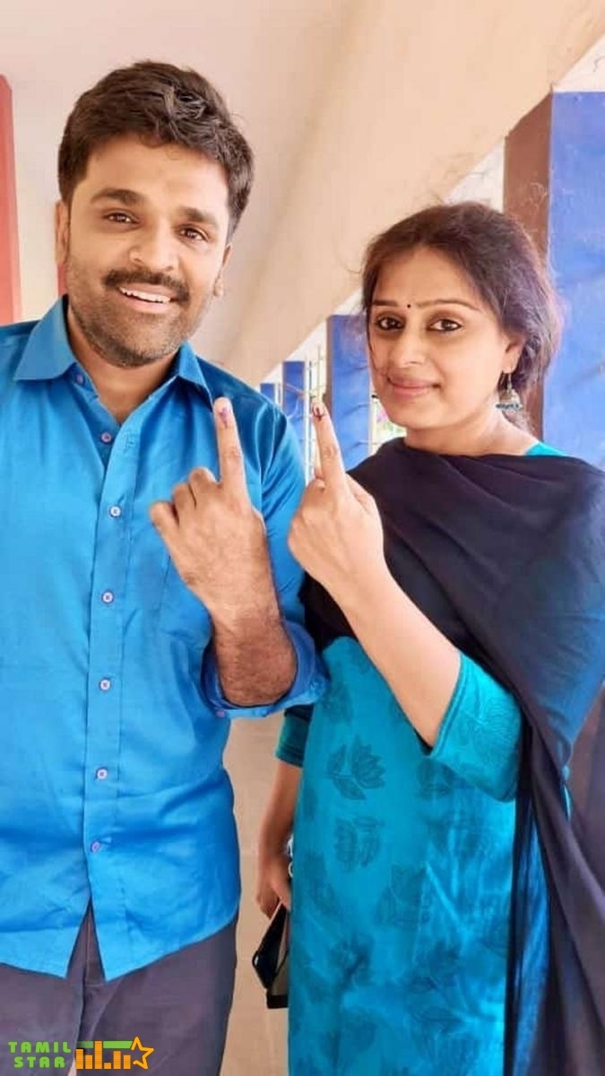 Celebrities casting vote in TN Elections 2021 (142)