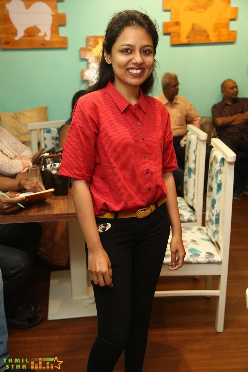 Cook with Comali Fame Ashwin and KPY Bala at Twisty Tails inauguration  (24)