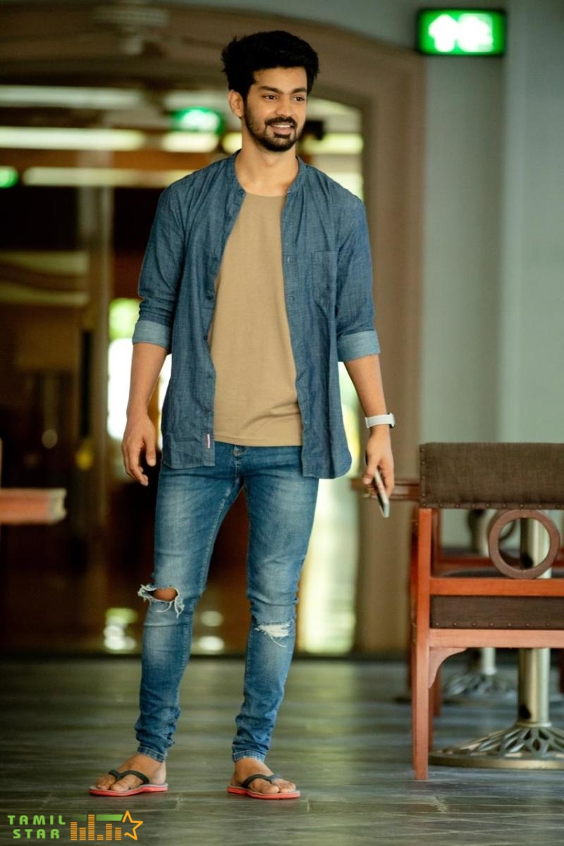 Cool and casual look of Actor Mahat Raghavendra (1)
