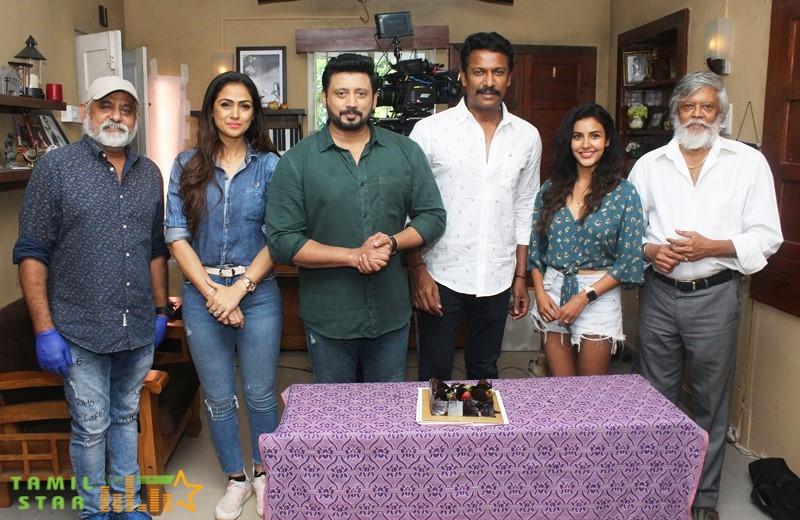 Director Samuthirakani Birthday Celebration Stills (13)