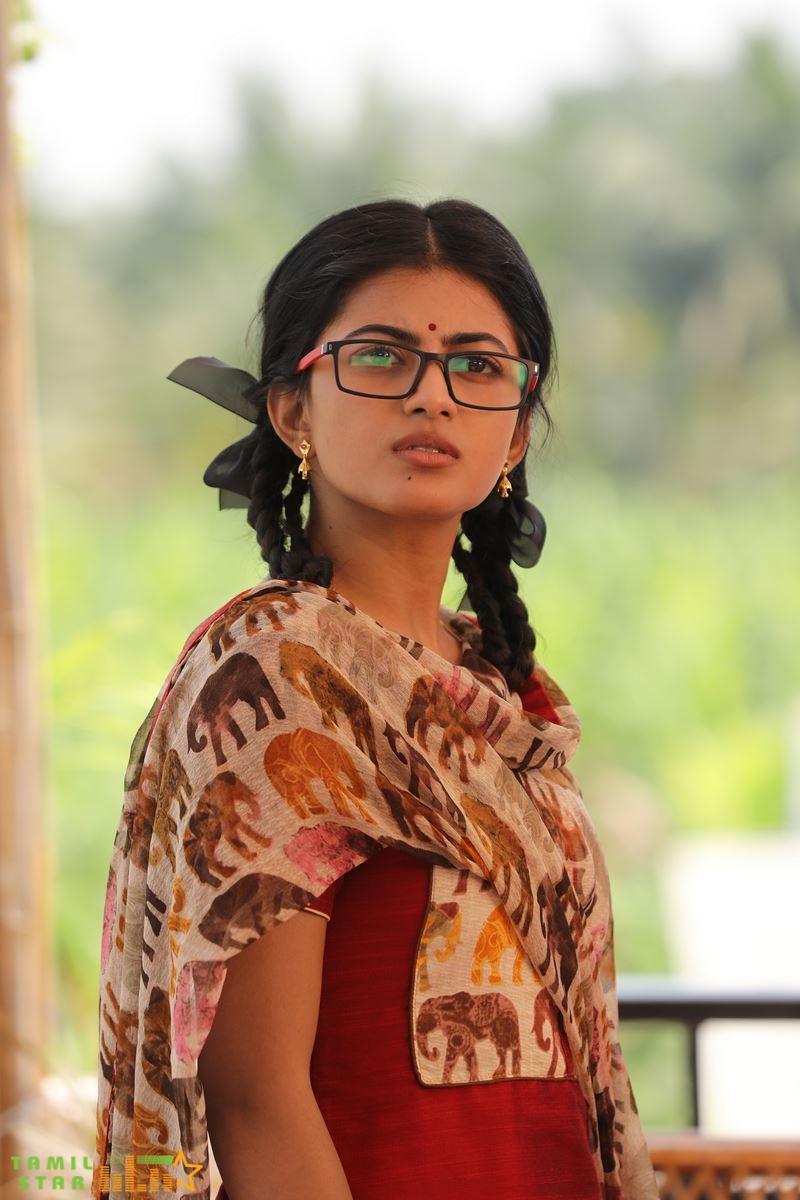 Kamali from Nadukkaveri Movie Stills (1)
