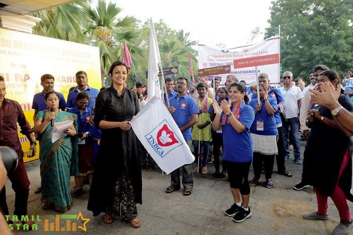 Kiruthiga Udhayanidhi launched the TNBCA official flag and flag offed the walkathon (4)