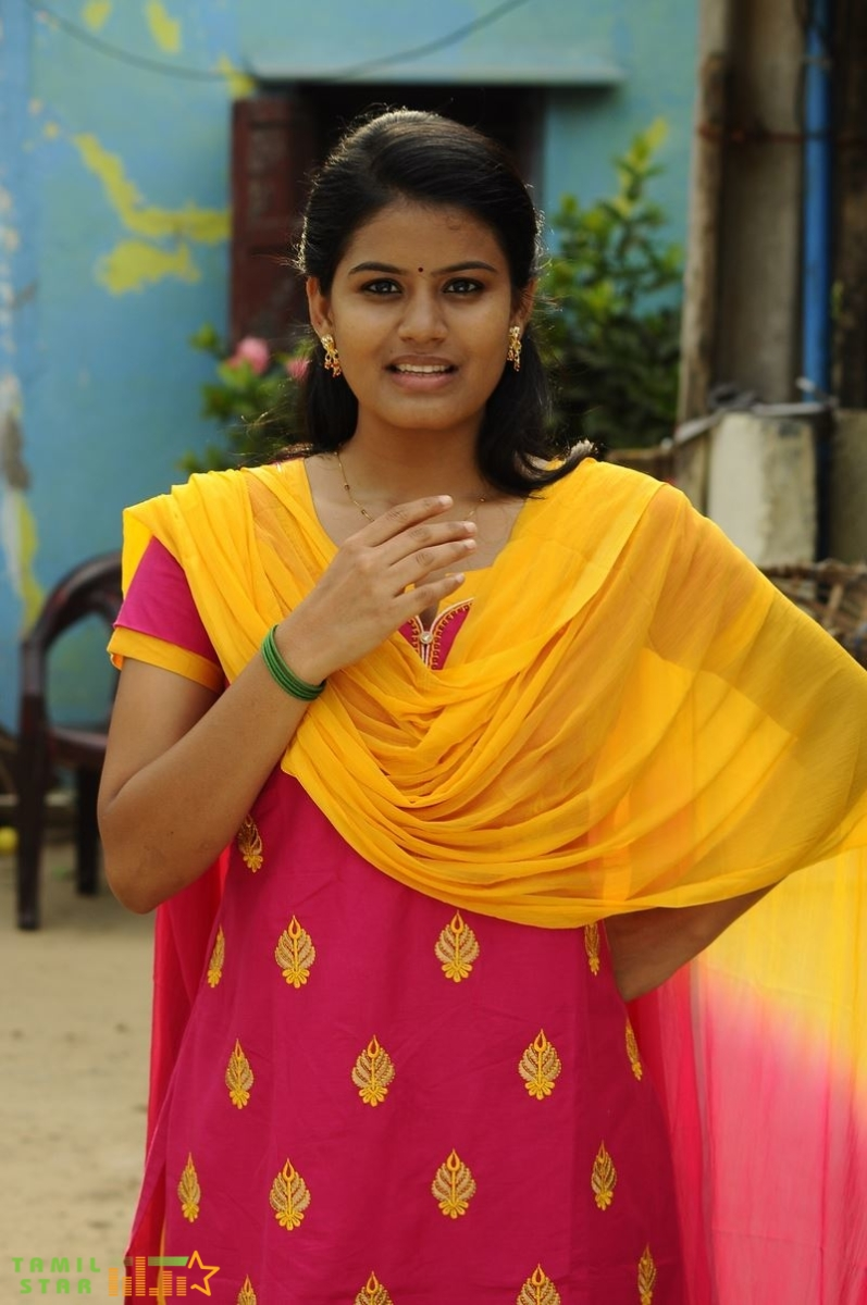 Kundratthiley Kumaranukku Kondattam Movie Stills (5)