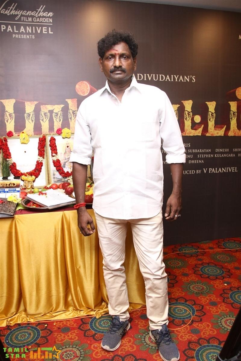 Pambattam Movie Pooja Stills (38)