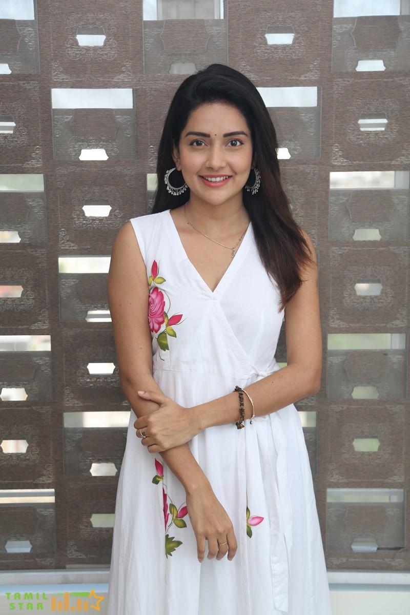 Prabhu-Deva-and-Mahima-Nambiar-New-Movie-Pooja-Stills-24