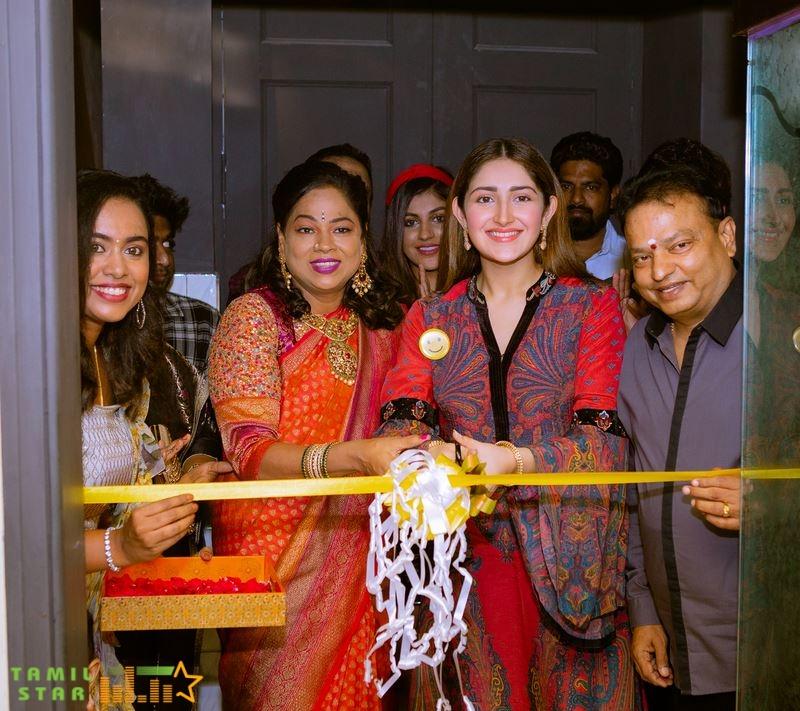 RJ Balaji, Sayyeshaa, Yashika Anand, and Athulya at Yolo Salon Launch (1)