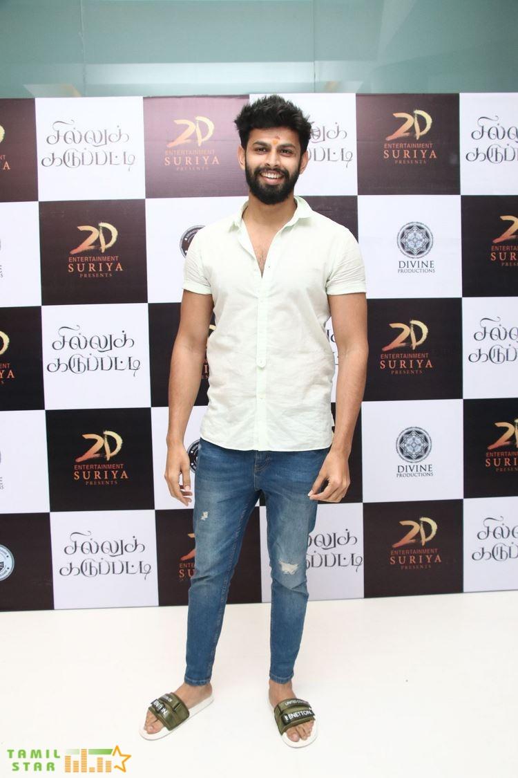 Sillu Karupatti Movie Premiere Show Photos (39)
