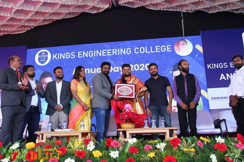 Suresh Raina inaugurated Cricket Academy in Kings Engineering College Photos (7)