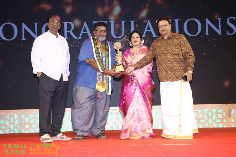 V4 MGR Sivaji Academy Awards 2020 Photos (89)