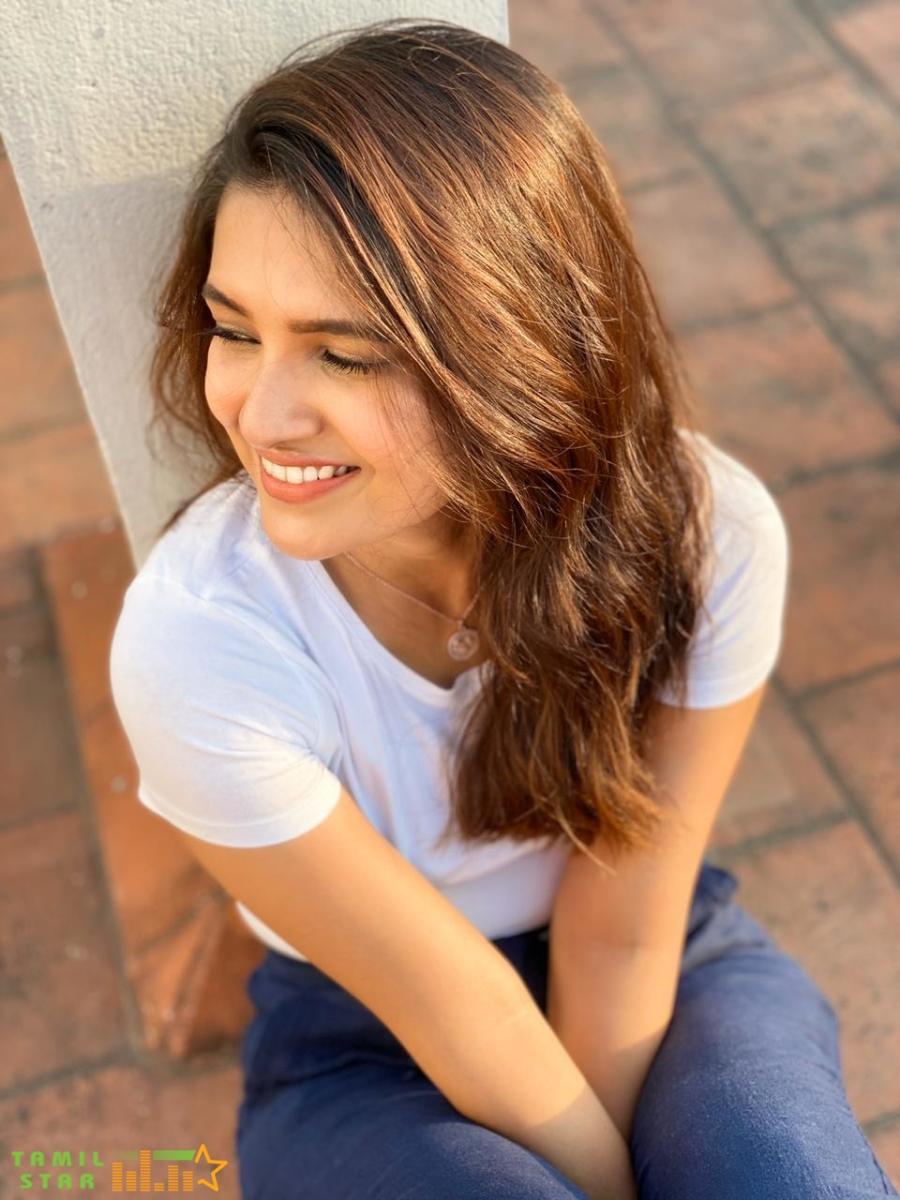Recent Pics of Actress Vani Bhojan